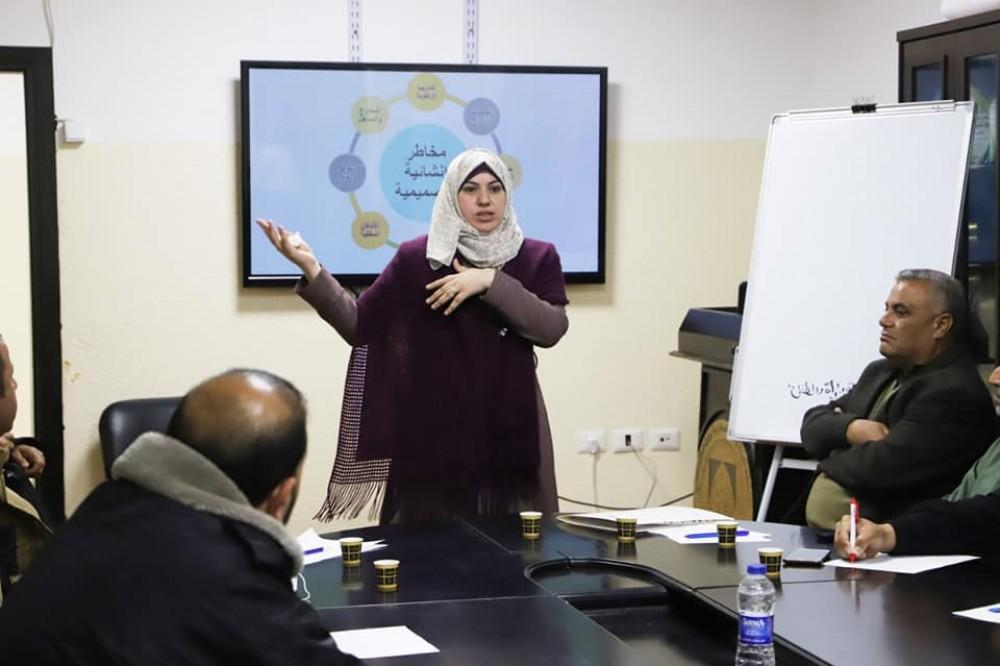 تعليم شمال غزة تنفذ دورة حول تقييم المخاطر في المنشآت الصناعية