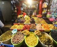 أجواء شهر رمضان المبارك في الأسواق بمدينة غزة عشية الشهر الكريم .. تصوير | عطية درويش