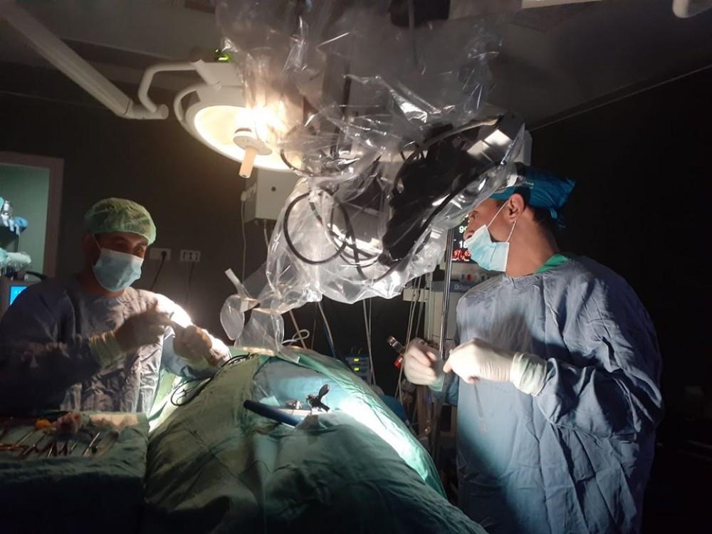 مستشفى غزة الأوروبي يجري 7عمليات جراحة أعصاب معقدة