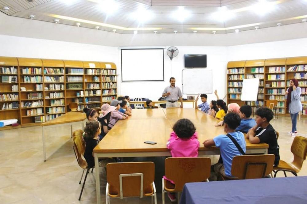 مكتبة ديانا  التابعة لبلدية غزة تفتتح دورة في اللغة الإنجليزية لطلبة المدارس
