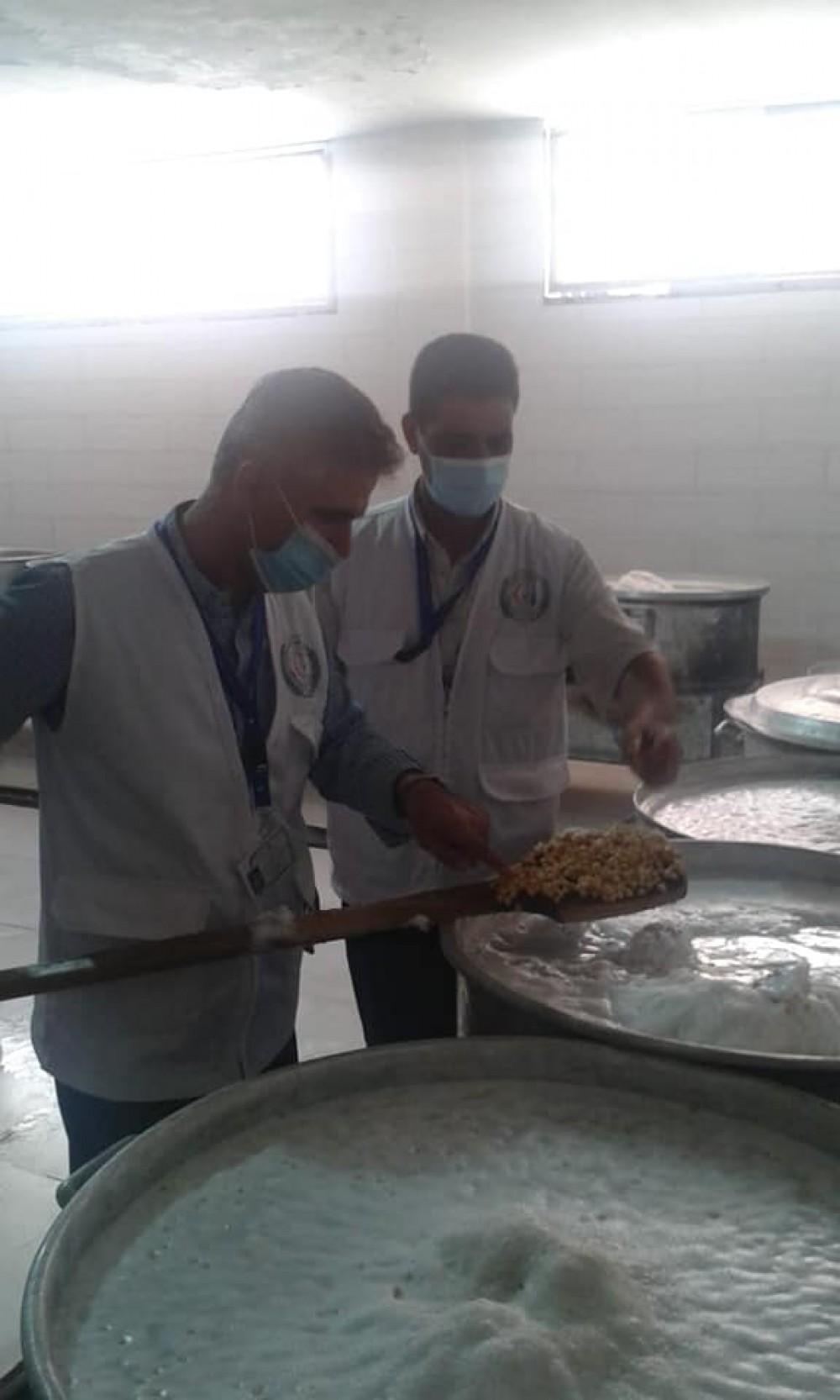 الطب الوقائي بالوسطى يتلف 48 كيلو جرام مواد غذائية منتهية الصلاحية