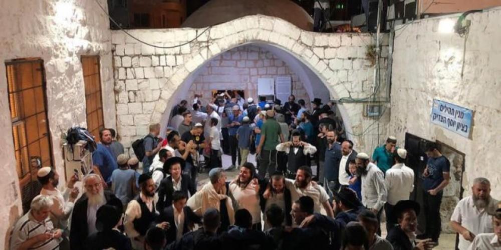 اقتحام المستوطنين قبر يوسف