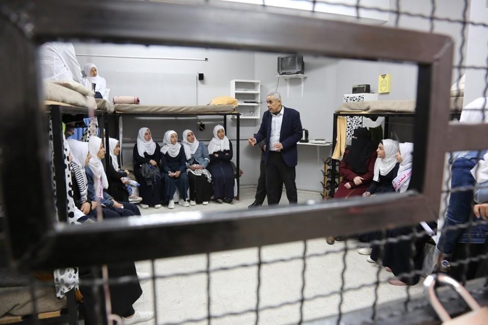 وزارة الأسرى تستقبل مجموعة طالبات من مدرسة هايل عبد الحميد الثانوية للبنات