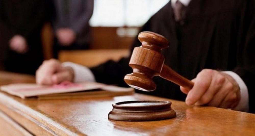 المحكمة العسكرية تمهل متهمين 0 أيام لتسليم  نفسيهما