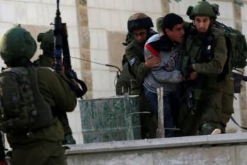اعتقال 3 شبان غرب رام الله ومصادرة تسجيلات كاميرات