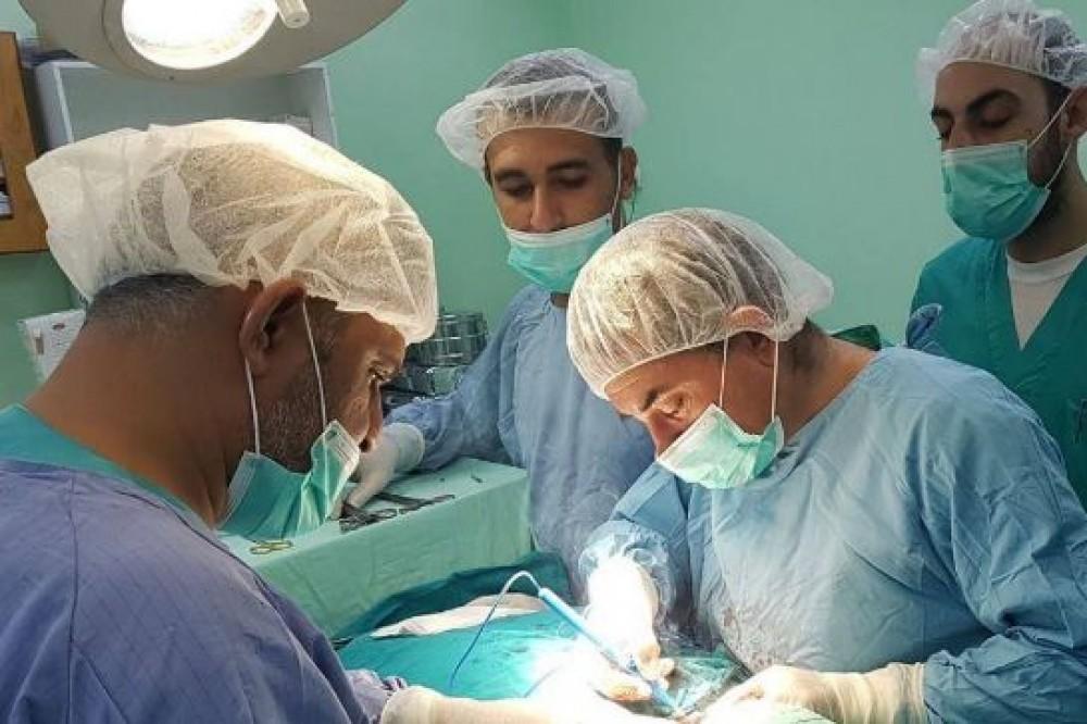أكثر من 800 عملية جراحية في مستشفى بيت حانون منذ بداية 2020