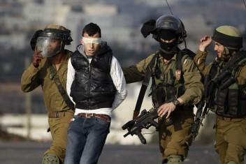 الاحتلال يعتقل 5 مواطنين من الضفة المحتلة