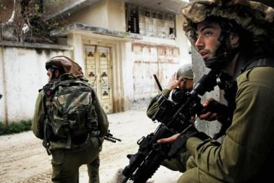 الاحتلال يحاصر قرية نحالين لليوم الثاني