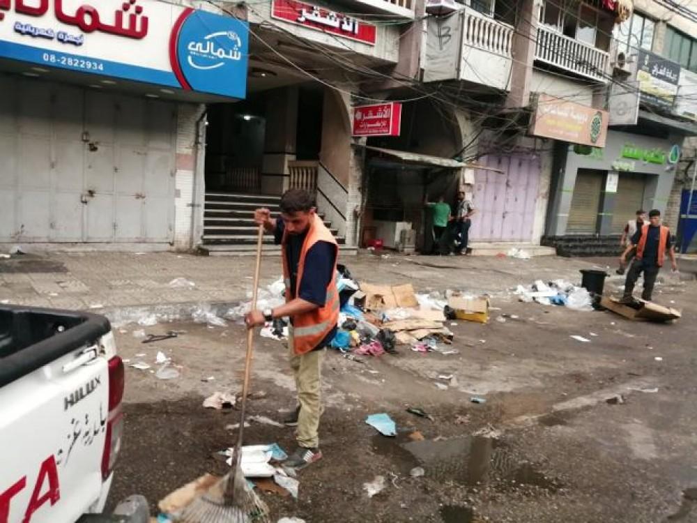 بلدية غزة تجمع وترحل 4 ألاف طن من النفايات خلال العيد