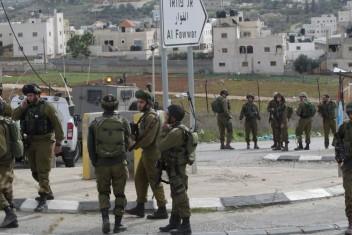 استشهاد شاب دهس 7 إسرائيليين في بيت أمر بالخليل