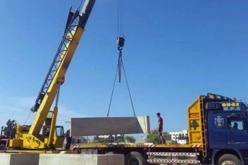 الاحتلال يقتحم قريتين ويستكمل بناء جدار الفصل في بيت لحم
