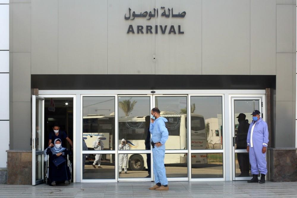مغادرة 2659 مسافراً ووصول 1700 عائد لغزة خلال ثلاثة أيام