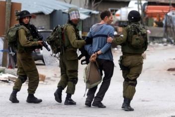 الاحتلال يعتقل 40 عاملًا فلسطينيًا قرب طولكرم