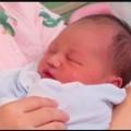 ولادة طفل بحبل سري ملفوف على عنقه 6 مرات