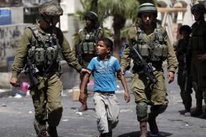 الاحتلال يعتقل طفلين جنوب طولكرم