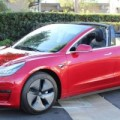 تسلا تنتج أول سيارة كهربائية بنطاق معتمد لأكثر من 400 ميل