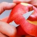 فوائد صحية غير متوقعة لقشر التفاح.. تعرف عليها
