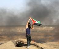 جانب من المواجهات التي اندلعت في ملكة شرق غزة اليوم.  تصوير: عطية درويش