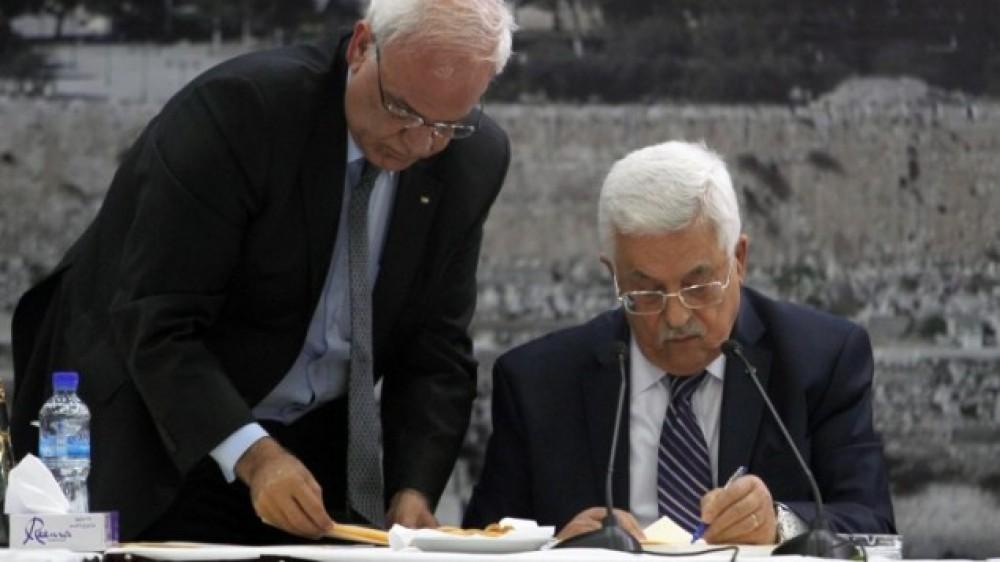 رئيس السلطة محمود عباس مهندس اتفاق أوسلو الكارثي