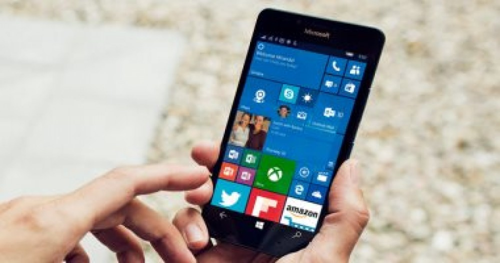 مايكروسوفت تمدد دعم Windows 10 Mobile لمدة شهر