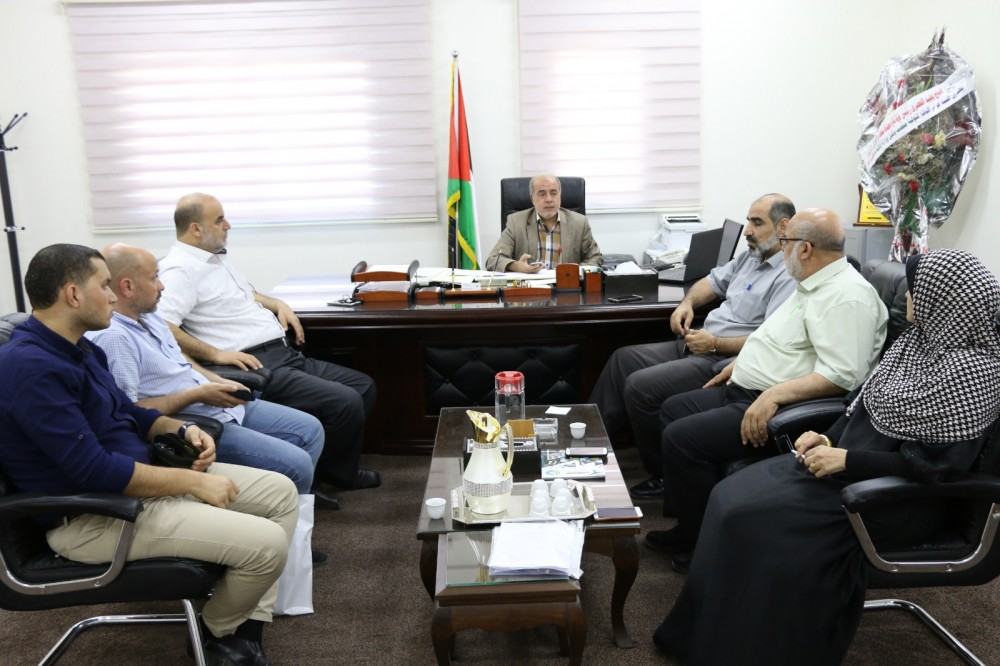 خلال استقبال  وكيل وزارة المالية عوني الباشا ، وفداً من كلية العودة الجامعية