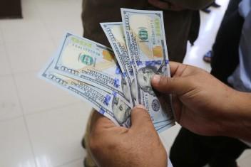 """المالية بغزة: """"رام الله"""" تحصّل 85% من إيرادات غزة شهريًا"""