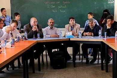 التعليم تُطلع وفدًا دوليًا على واقع التعليم بغزة