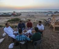 أجواء الإفطار على كورنيش غزة خلال شهر رمضان .. تصوير | عطية درويش