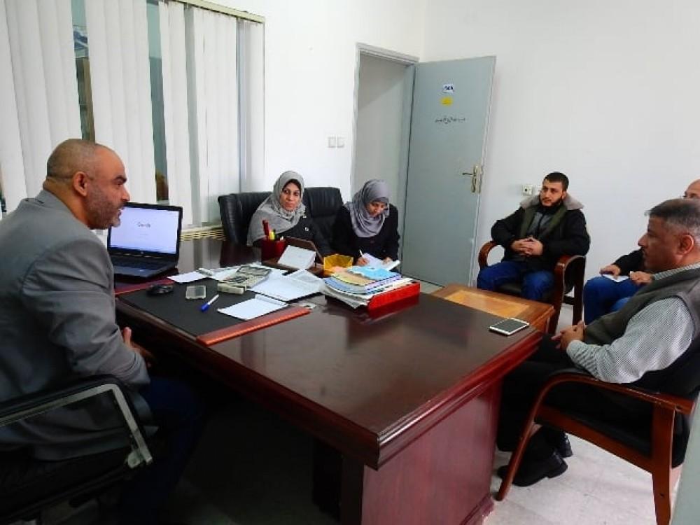 وزارة المواصلات تبحث مع سلطة الأراضي التعاون المشترك