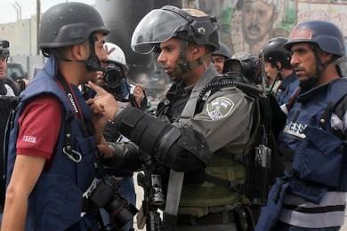 وزارة الإعلام: 19صحفياً في سجون الاحتلال بينهم 5 معتقلين إدارياً