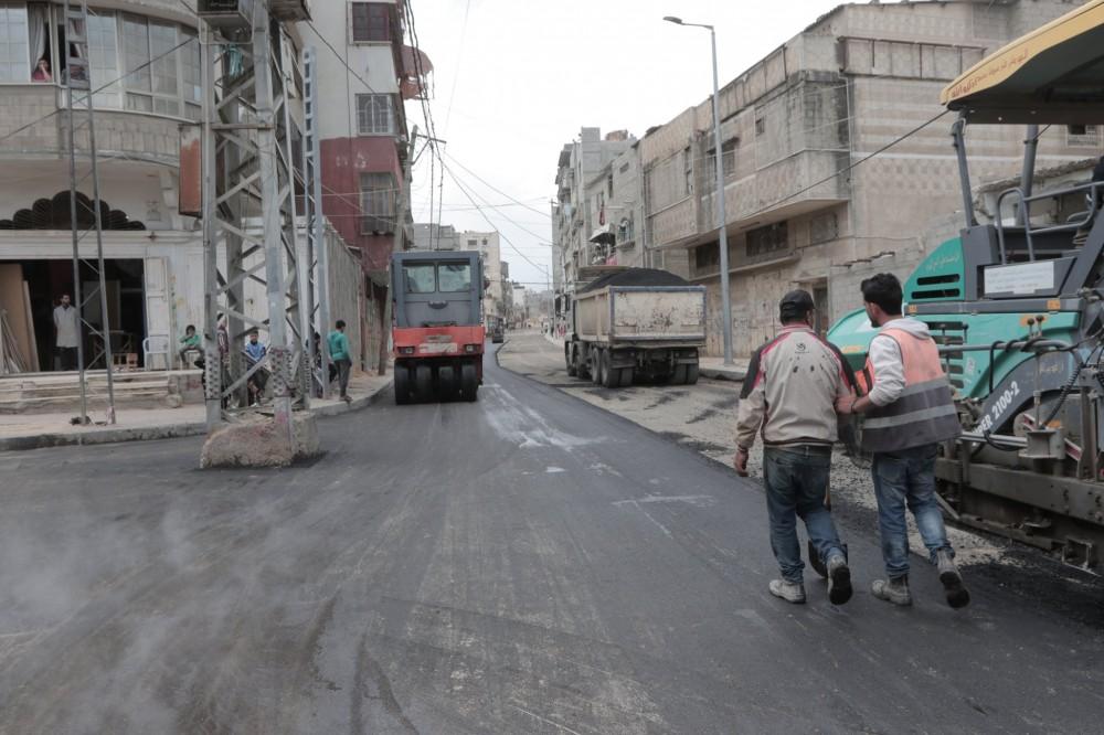 بلدية غزة تنجز 90 % من مشروع تطوير شارع ابن خلدون غرب المدينة