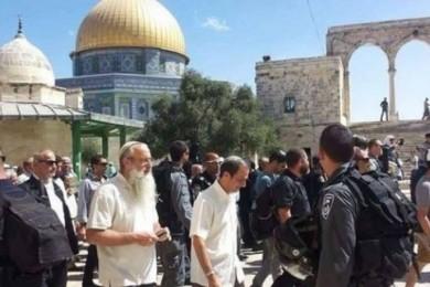 """""""أبو العمرين"""" يستنكر اقتحامات الاحتلال المتتالية للأقصى"""