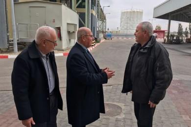 """""""الخضري"""" يطالب بتدخل دولي لإنقاذ ربع مليون غزي عاطل عن العمل"""