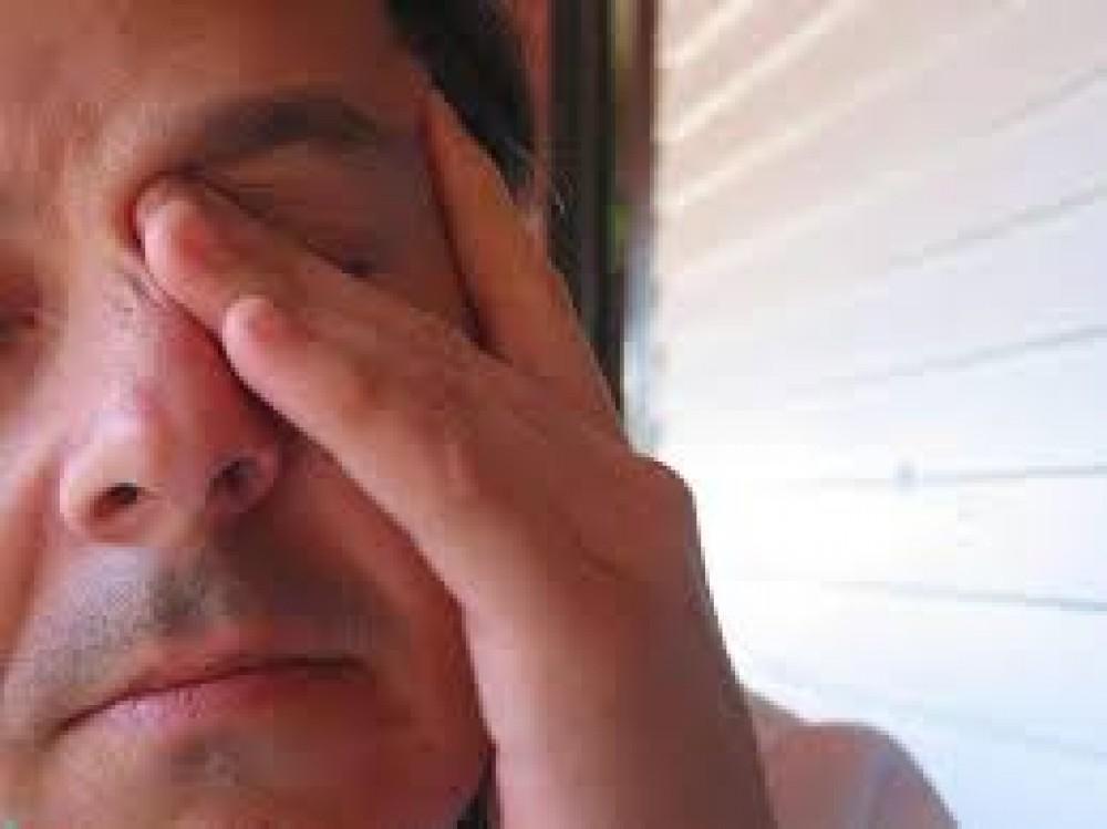 ما أسباب الإصابة بحكة فى زاوية العين وخيارات علاجها
