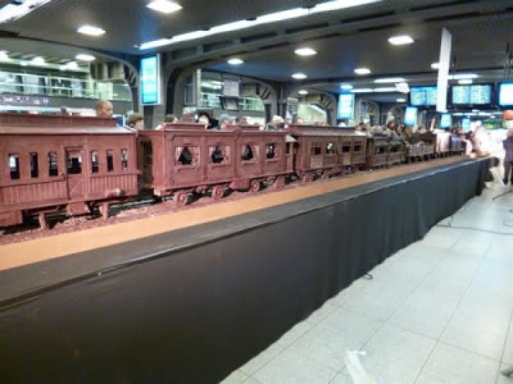 قطار من الشكولاتة