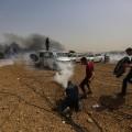 استهداف الطواقم الصحفية بالغاز من قبل الاحتلال الإسرائيلي