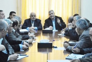 الفصائل تطالب بحكومة وحدة وإجراء الانتخابات