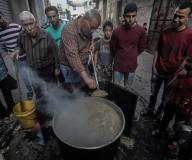 طيلة شهر رمضان...وليد الحطاب من حي الشجاعية يُحضر