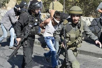 الاحتلال يعتقل طفلاً من سلوان بعد اقتحامها
