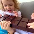 ما الكمية المسموح بها من الشوكولاتة للاطفال ؟