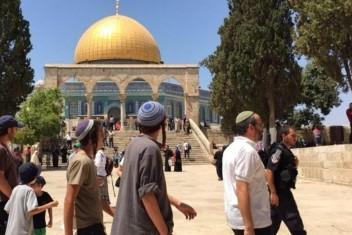 حصيلة تدنيس الاحتلال للأقصى ومنع الآذان بالمسجد الإبراهيمي الشهر الماضي