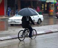أجواء سقوط الأمطار صباح اليوم في خانيونس عدسة عطية درويش