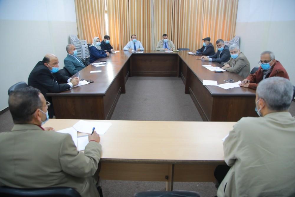 الأوقاف تناقش مقترح لائحة عمل لجان إعمار المساجد التاريخية بغزة