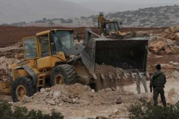 الاحتلال يجرف 10 دونمات مزروعة بأشتال الزيتون جنوب بيت لحم