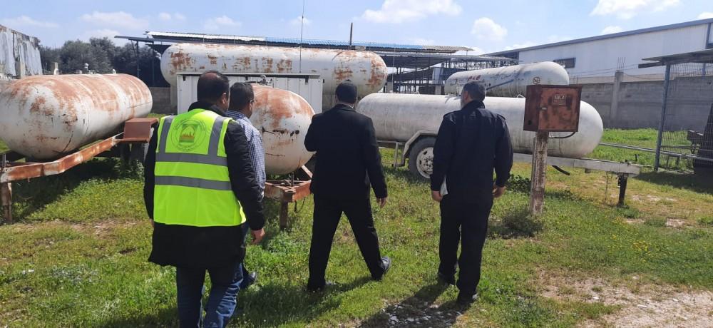 بلدية جباليا النزلة تغلق محطات توزيع الغاز غير الآمنة