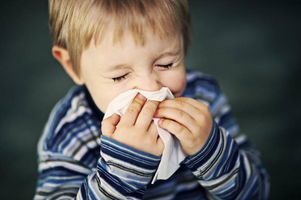 بسبب تقلبات الطقس.. نصائح لحماية أطفالك من الأمراض