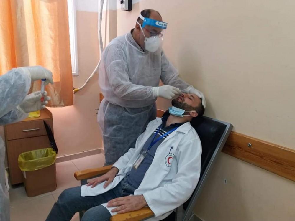 مستشفى العيون يسحب عينات