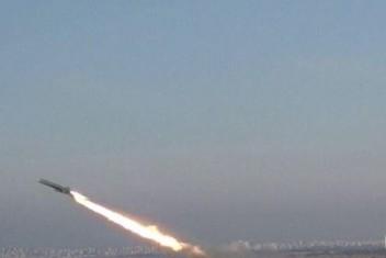"""""""إسرائيل"""" : حماس أطلقت 3 صواريخ تجريبية باتجاه البحر"""
