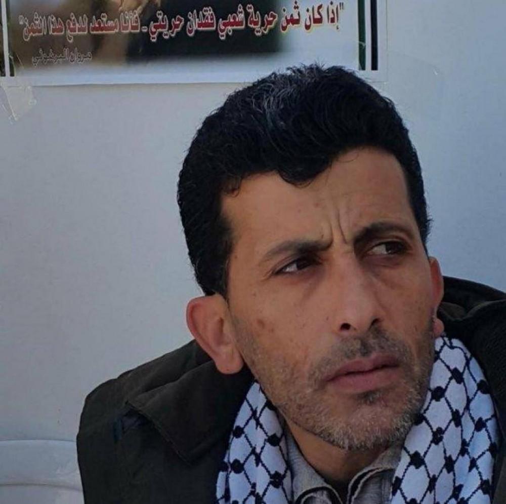 وزارة الأٍسرى: الأسير سامي جنازرة يعلق إضرابه المفتوح عن الطعام