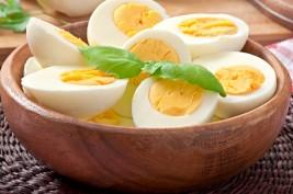 هذا ما يحدث لأجسادكم اذا تناولتم البيض يوميا..